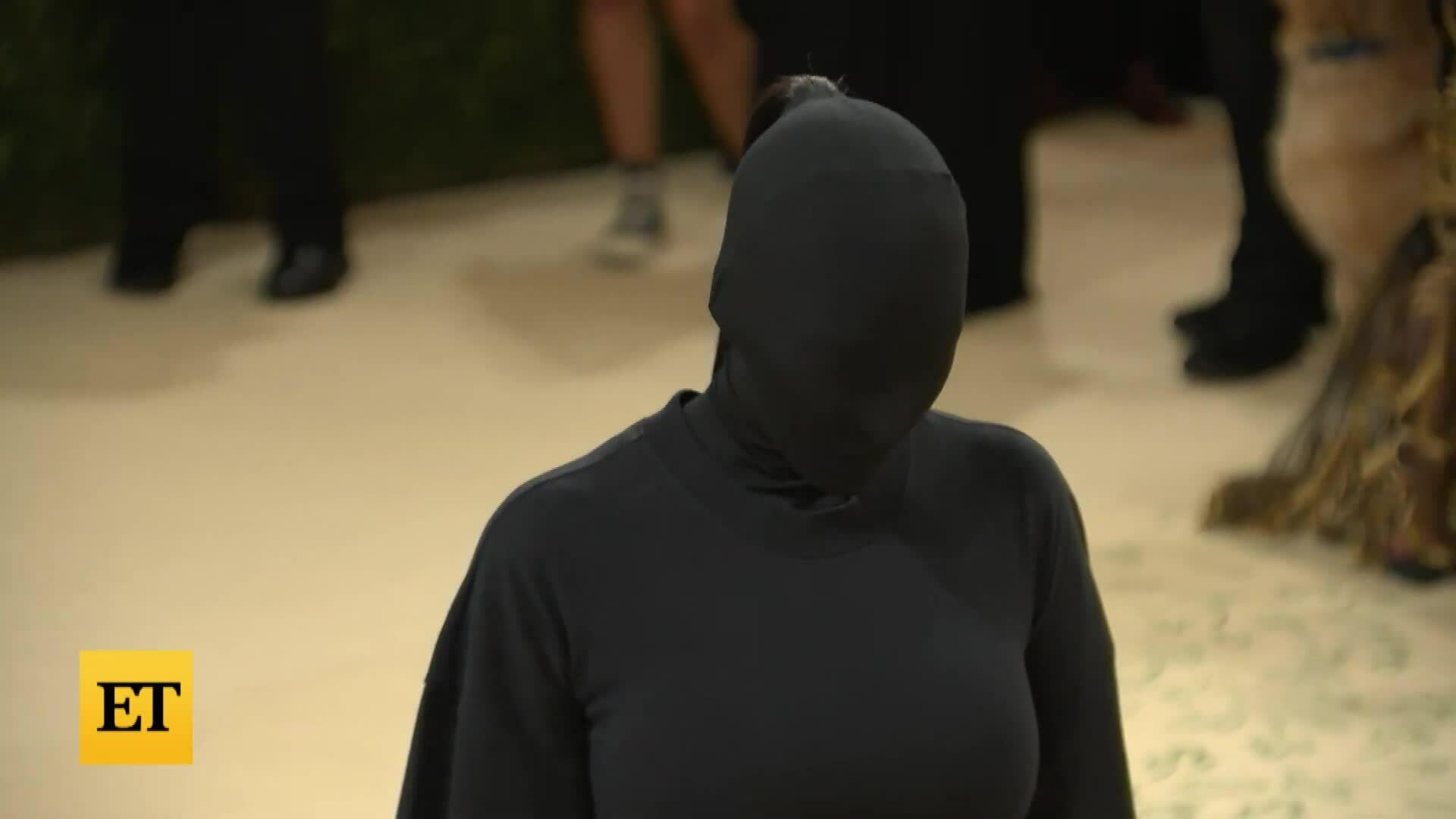 Kim Kardashian ở Met Gala 2021