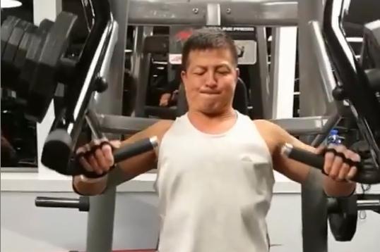 Trịnh Kiện Nhạc tập gym