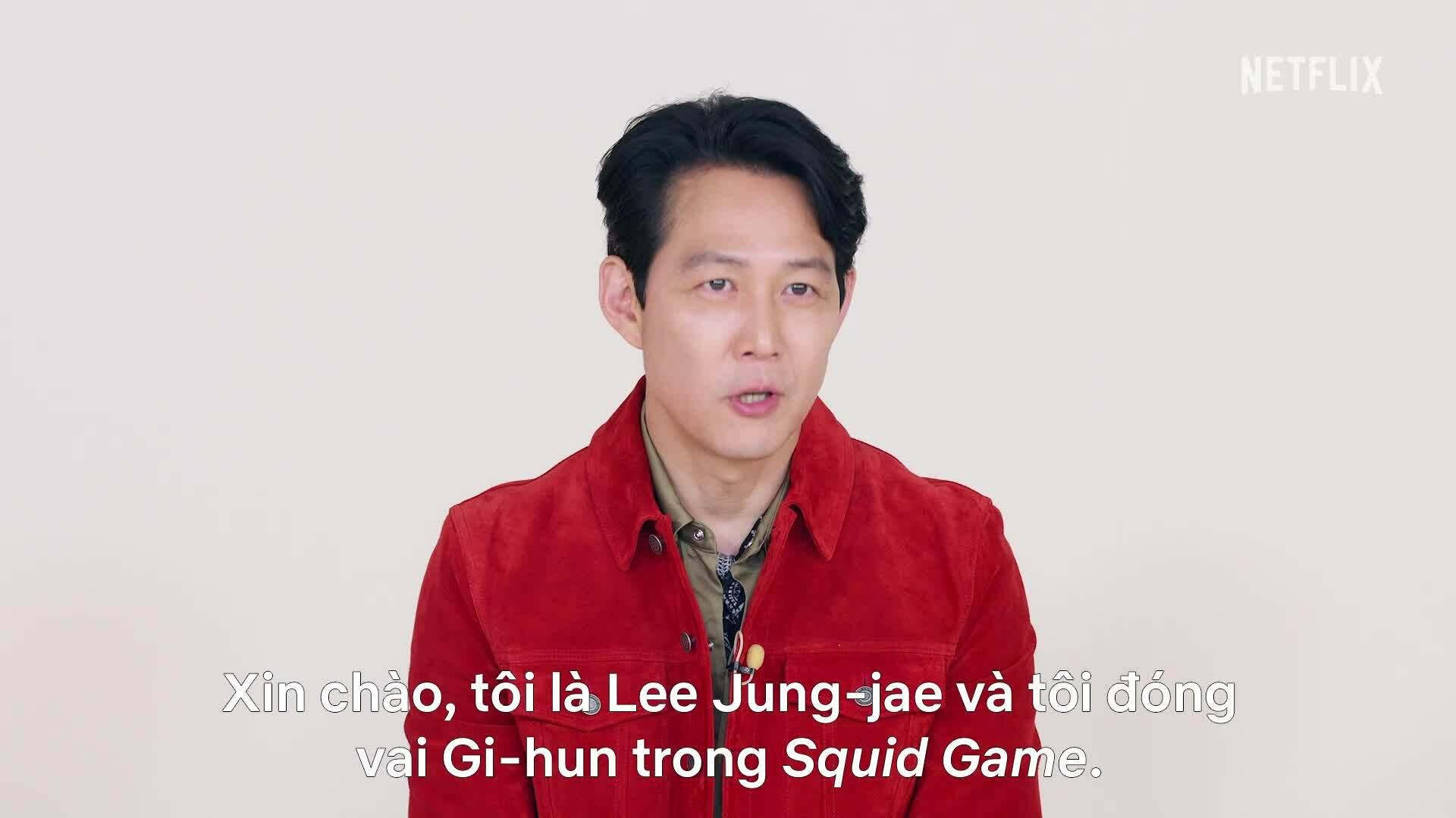 Lee Jung Jae và Ê-kíp Squid Game chào độc giả VnExpress