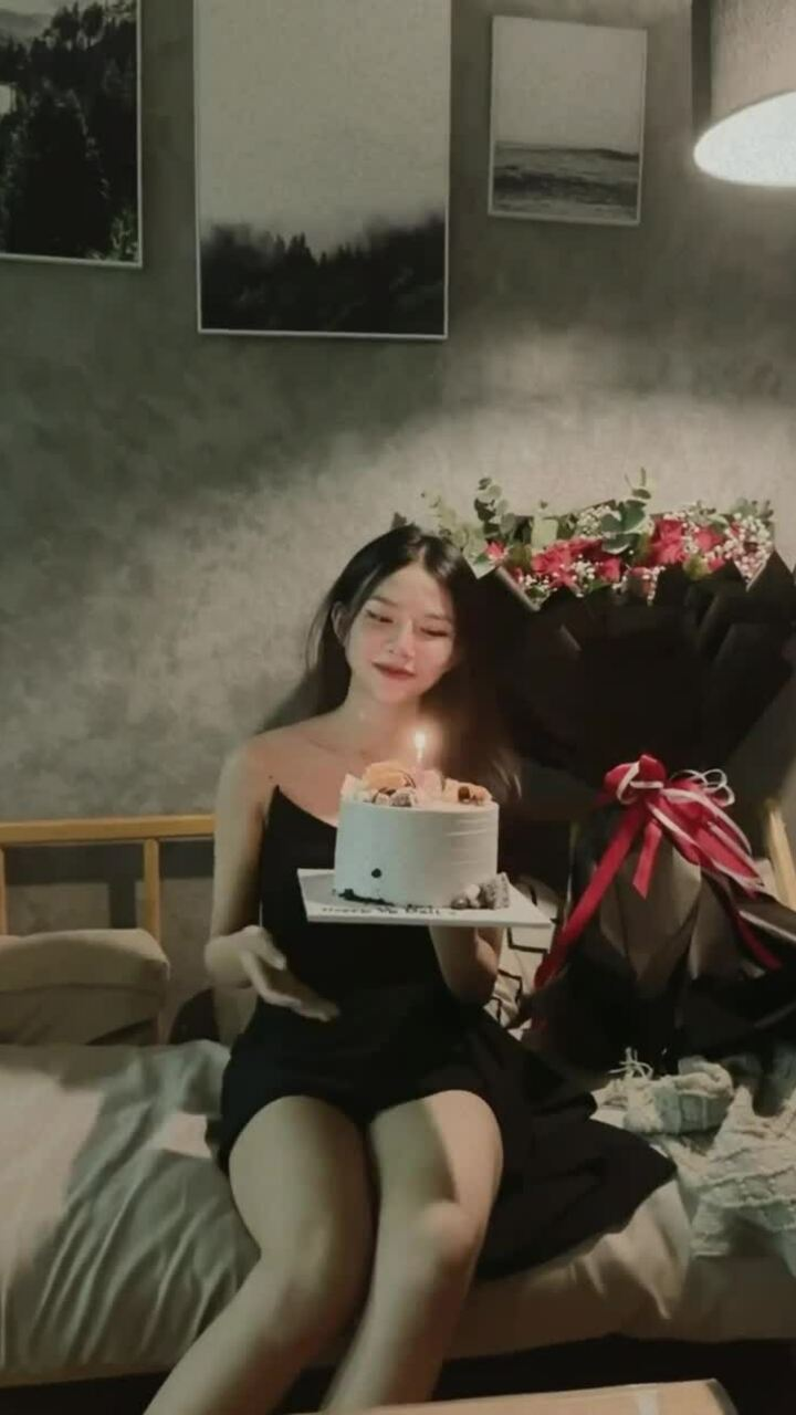 Phan Mạnh Quỳnh hát mừng sinh nhật vợ