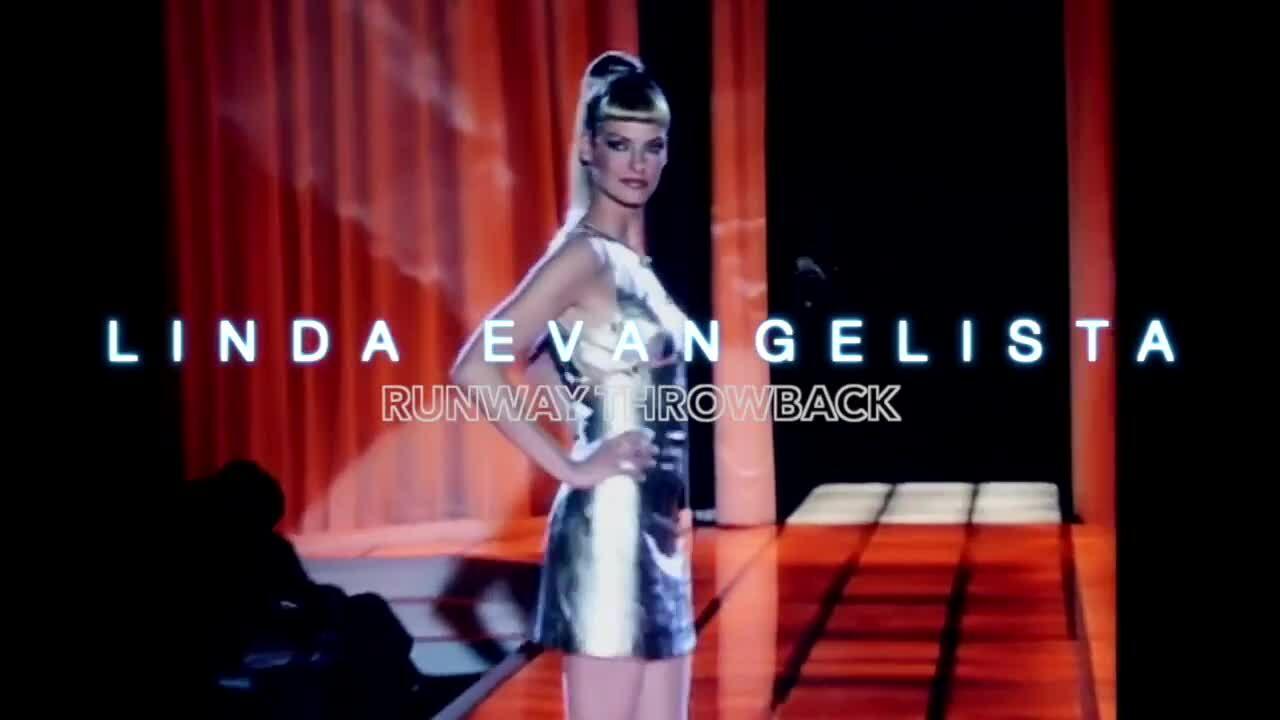 Linda Evangelista catwalk