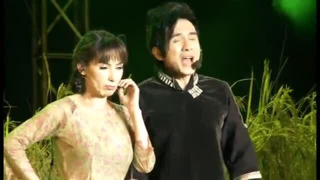 """Đan Trường, Phi Nhung hát """"Vợ chồng Tư Sậy"""""""