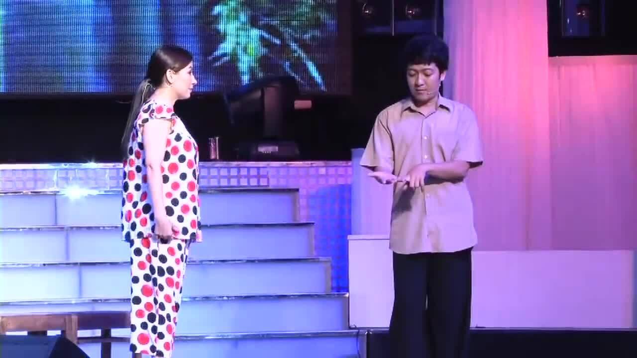 """Phi Nhung diễn vở """"Vợ chồng thằng Đậu"""" cùng Trường Giang"""