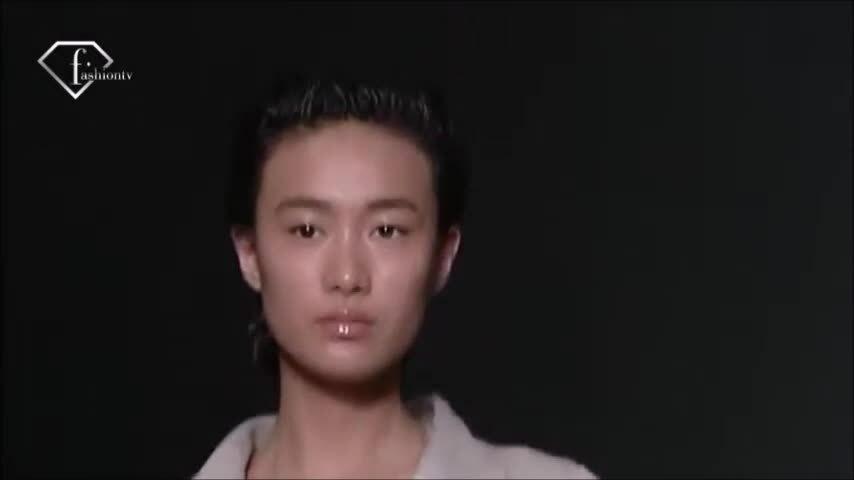 Tần Thư Bồi catwalk