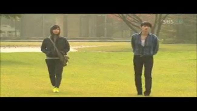Hyun Bin đọc 'thần chú' trong 'Secret Garden'
