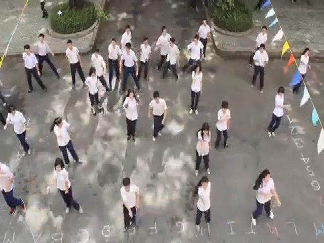 Màn 'Đồng Khởi' hoành tráng của teen Lê Hồng Phong năm 2014