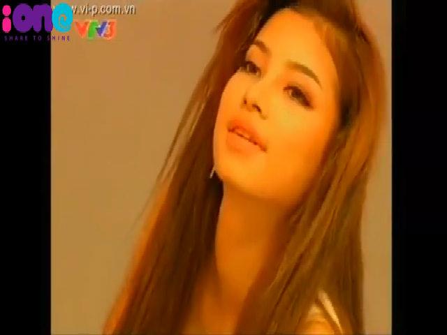 Phạm Hương tại cuộc thi Vietnam's Next Top Model 2010