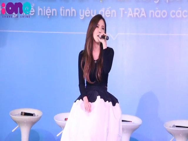 Hyomin (T-ara) xinh đẹp hát tặng fan Việt