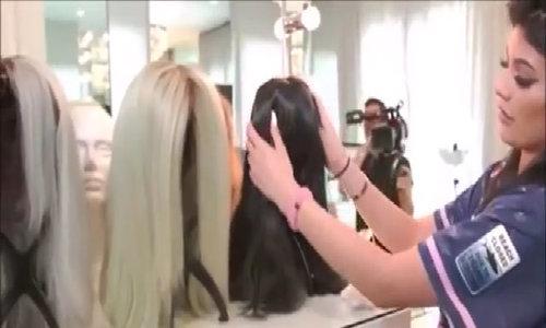 Kylie Jenner khoe gian phòng thời trang vạn người mê