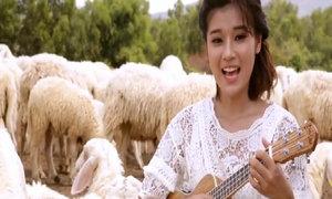 Hoàng Yến Chibi đàn hát ngọt lim tặng 'bạn trai' lắm chuyện