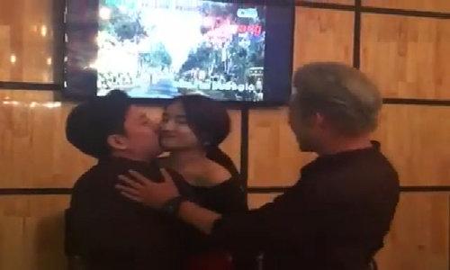 Trường Giang - Nhã Phương ôm hôn nhau chíu chít