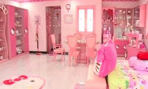 Ngôi nhà ngập màu hồng từ cổng đến WC của cô gái 'cuồng' Hello Kitty