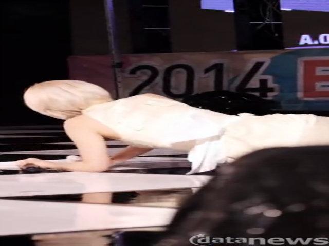 Sao nữ Kpop và những tai nạn sân khấu 'để đời'
