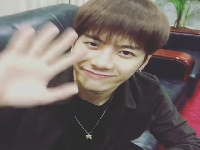 Jackson (GOT7) ngọng nghịu nói tiếng Việt cảm ơn fan