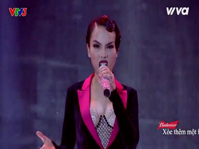 Yến Trang hát 'Welcome to Burlesque'