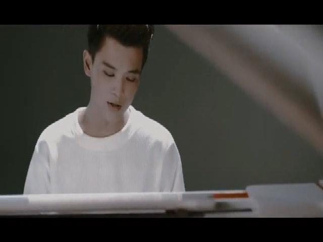 MV 'Nhưng anh vẫn yêu' - Thái Ngân