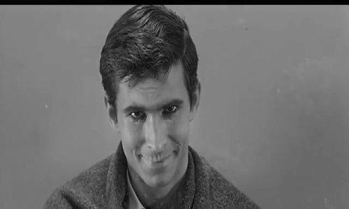 Norman Bates tại phòng khám bệnh tâm thần
