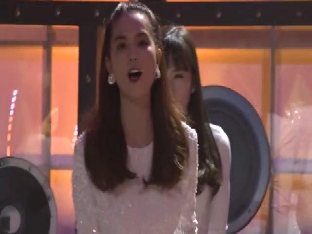 Ngọc Trinh khoe vũ đạo trên sóng truyền hình