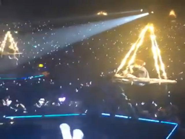Clip sự cố trong concert EXO tại Hong Kong