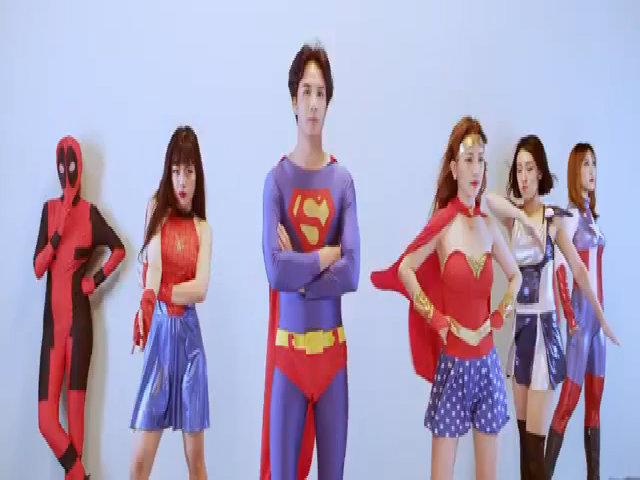 Sĩ Thanh rủ người yêu điển trai hóa bộ đôi siêu anh hùng