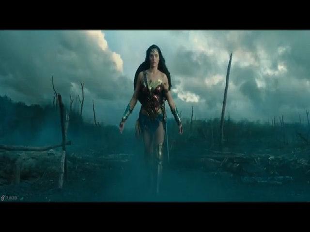 Cảnh phim Wonder Woman được xem là 'khai sinh ra một anh hùng'
