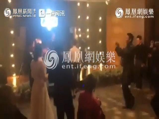 Song - Song nhảy tưng bừng trong tiệc cưới, Park Bo Gum đàn piano