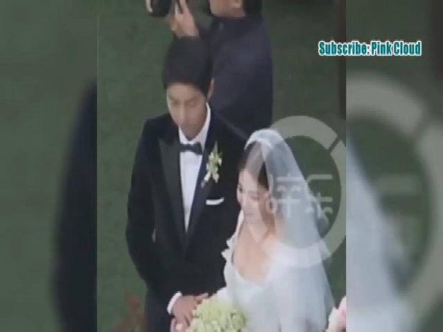 Song Joong Ki và Song Hye Kyo lạnh nhạt với nhau sau kỳ nghỉ trăng mật