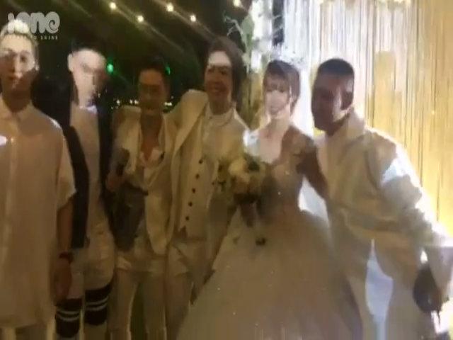 Kelvin Khánh và Khởi My hôn nhau 'không ngừng' trong tiệc cưới