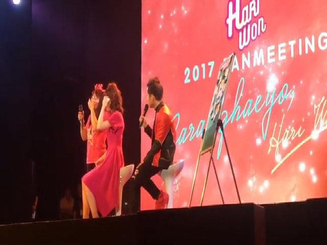 Hari Won hát cải lương chiều fan