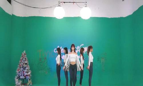 Phần biểu diễn trực tiếp của Twice