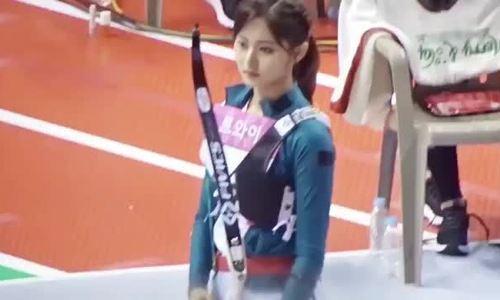 Irene, Tzuyu cạnh tranh cho ngôi vị 'Nữ thần bắn cung' ở ISAC