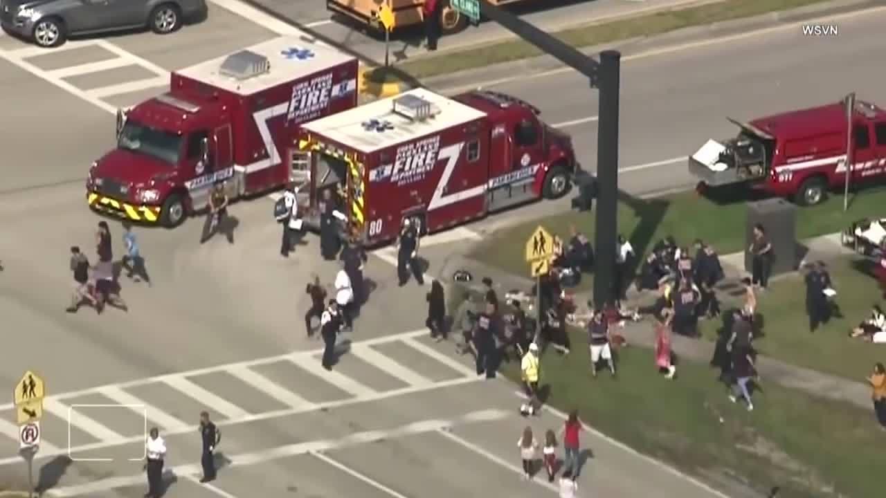 Thanh niên 19 tuổi xả súng vào trường học đúng dịp Valentine khiến 17 người thiệt mạng