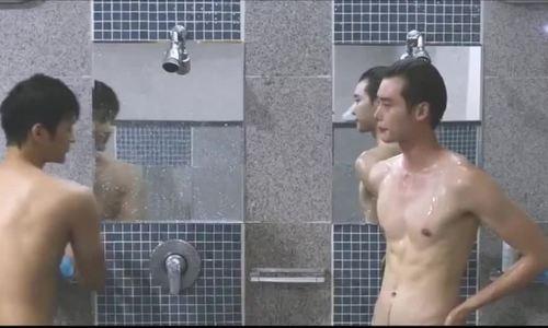 'Bỏng mắt' với dàn mỹ nam chuyên 'thả thính' 6 múi trong phim Hàn