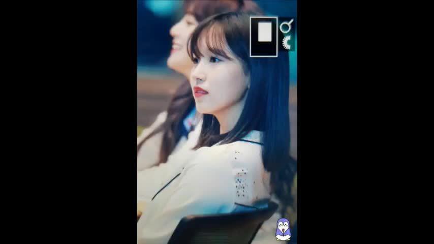 Mina đáng yêu với kiểu tóc mới