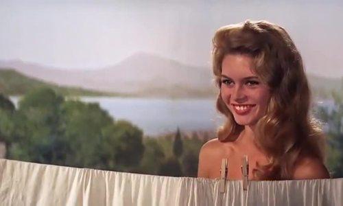 Phân cảnh khỏa thân đầy tính nghệ thuật của Brigitte Bardot trong 'And God created woman'.