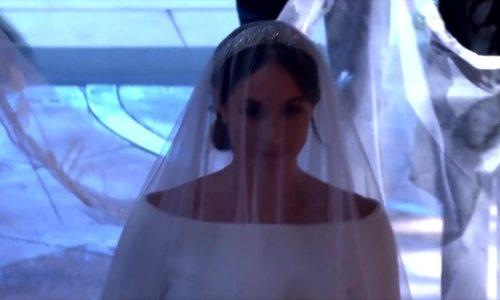 Khoảnh khắc cô dâu Meghan Markle tiến vào lễ đường