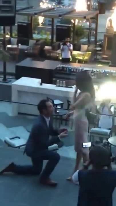 Lan Khuê xúc động khi được cầu hôn