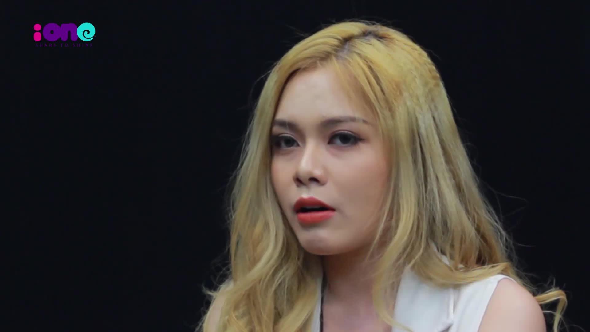 'Hot girl World Cup' Cao Diệp Anh: 'Đàn ông nhiều tiền dễ ngoại tình'