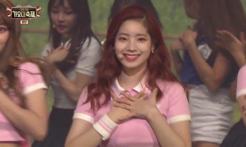 Twice, Red Velvet cover nhạc của SNSD