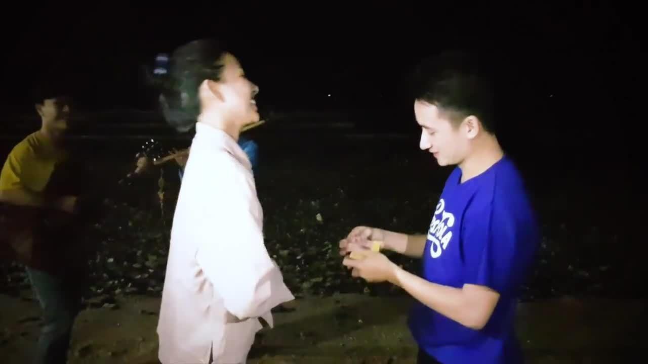 Màn cầu hôn của Phan Mạnh Quỳnh