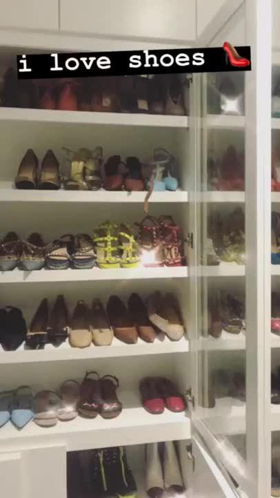 Tủ giày hàng trăm đôi ngắm đã mắt của Hà Hồ