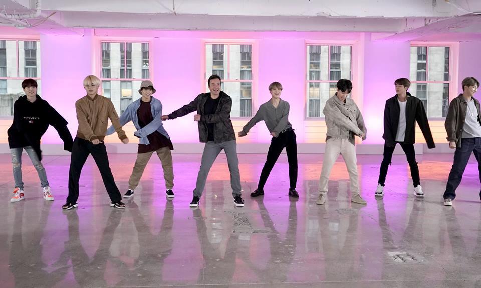Jimmy Fallon thực hiện thử thách nhảy với BTS.