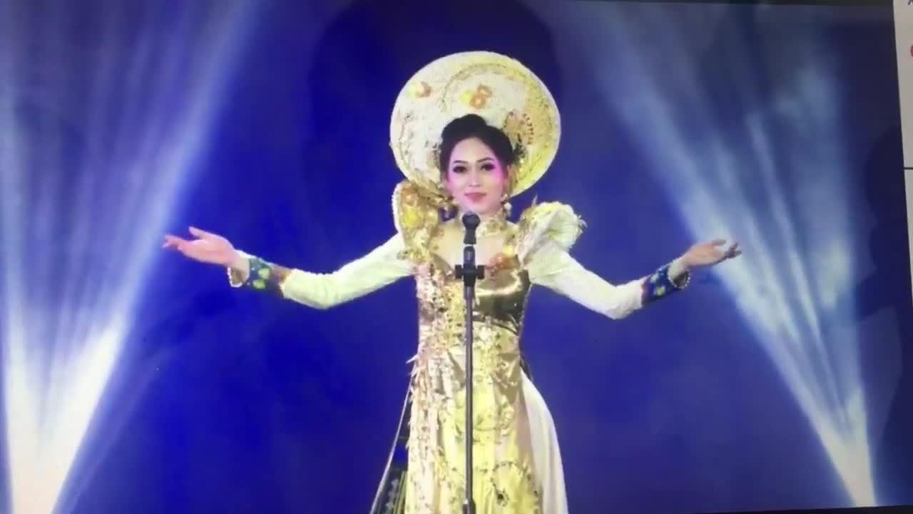 Màn dự thi 'Trang phục truyền thống' tự tin của Phương Nga tạiMiss Grand International 2018
