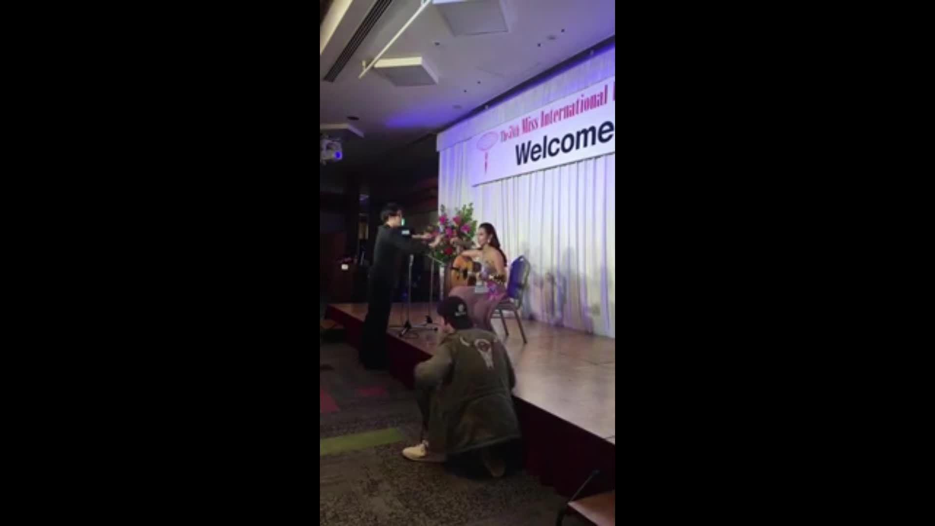 Thùy Tiên hát khai mạc Miss International