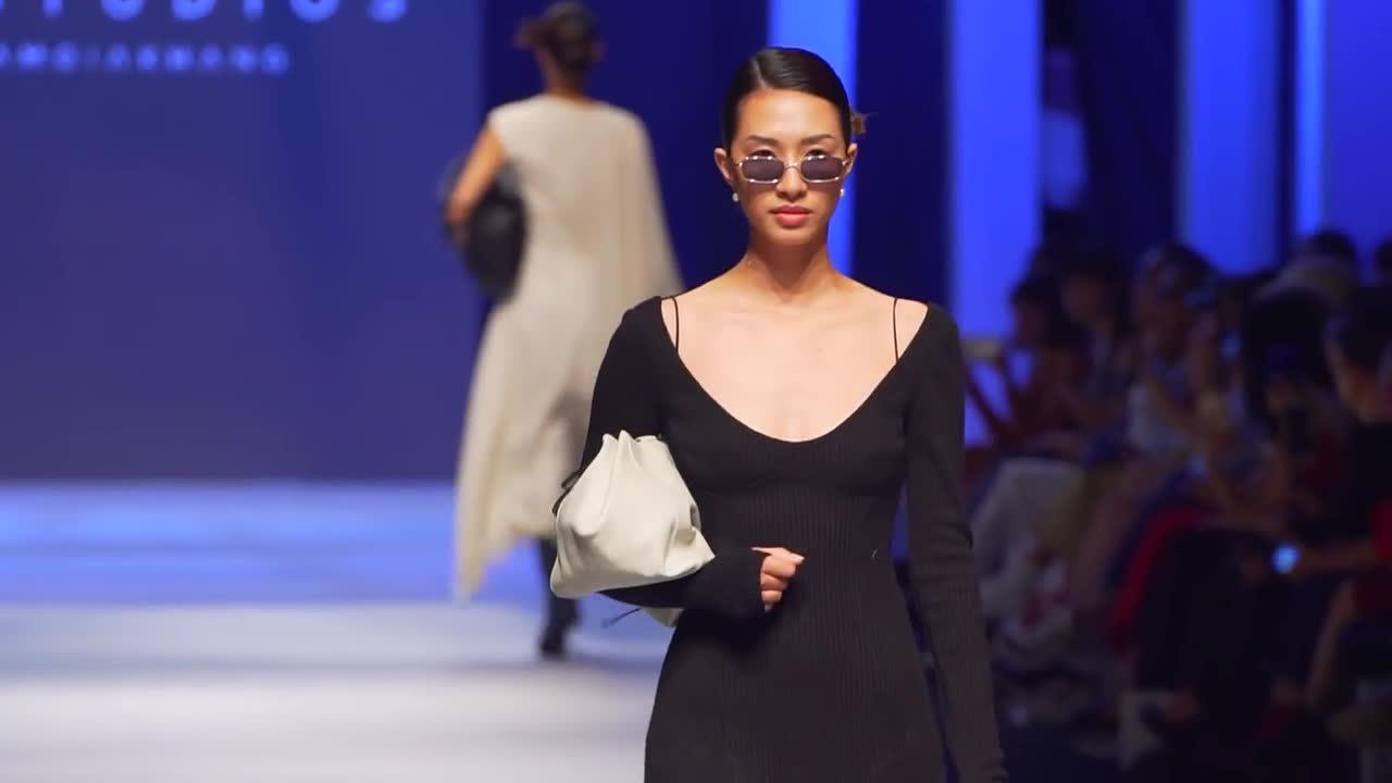 Những khoảnh khắc đẹp ở Vietnam International Fashion Week Thu Đông 2018