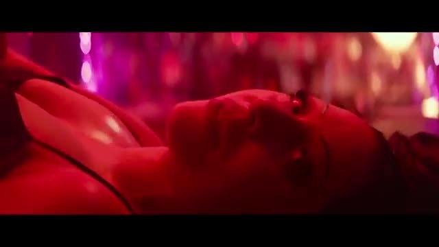 Cảnh Lady Gaga và Bradley Cooper song ca bài hát Shallow