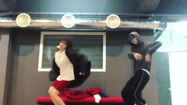 Video tập nhảy của Hyun Ah và E'Dawn khiến fan 'phát cuồng' vì quá dễ thương