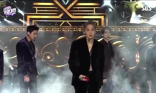 4 thần tượng gây sốt vì trang phục 'thiếu vải' ở SBS Gayo Daejun