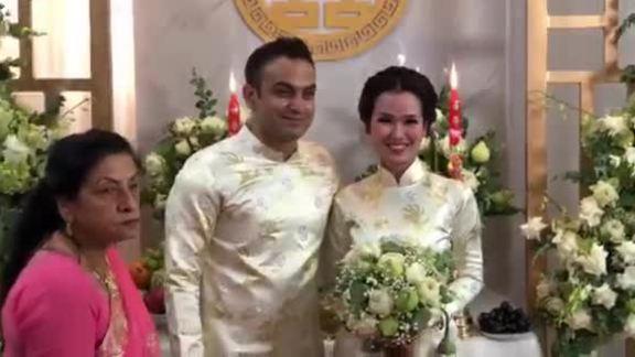 Võ Hạ Trâm rạng rỡ trong lễ rước dâu