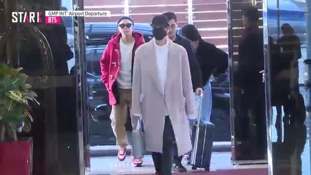 Ji Min (BTS) lộ mặt mộc, Black Pink đọ sắc cùng Park Min Young tại sân bay